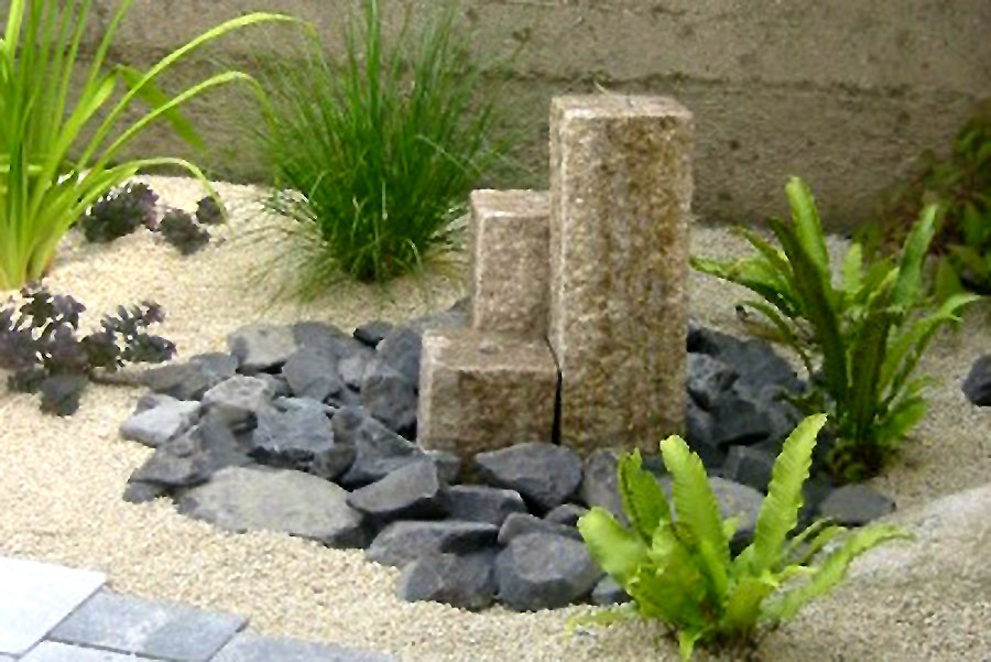 Wasserspiel Granitsäulen