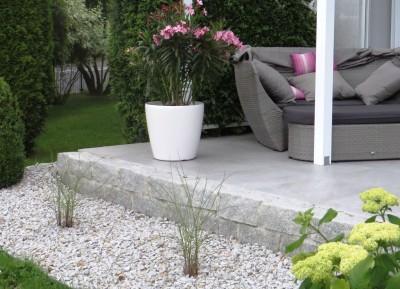 Terrasse Mauer Pflanzung